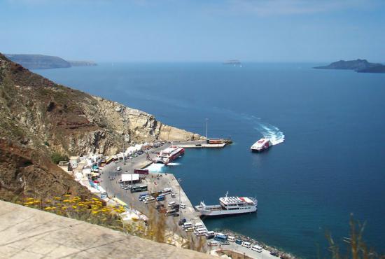 Santorini tour to Pyrgos Village,Winery,Oia Town & Fira