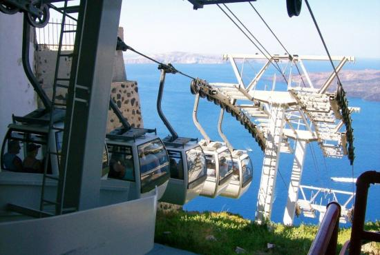 cable-car-down-to-ship-santorini-greece1152_12808084787-tpfil02aw-27230.jpg