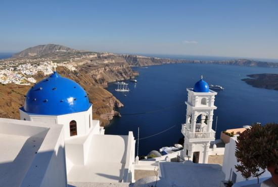 churches_on_santorini.jpg