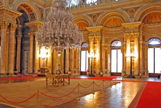 Istanbul – Bosphorus Cruise with Dolmabahce Palace