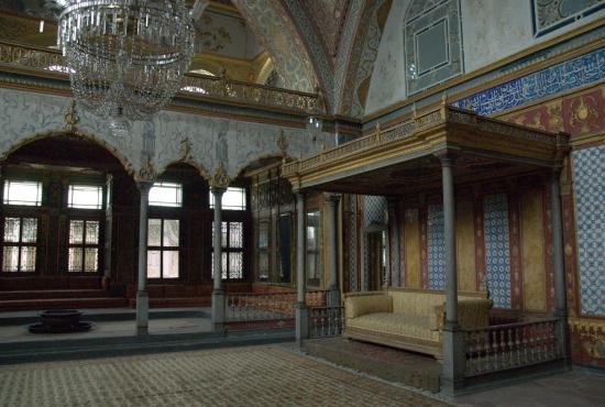 Istanbul – Topkapi Palace, Hippodrome, St. Sophia, Blue Mosque