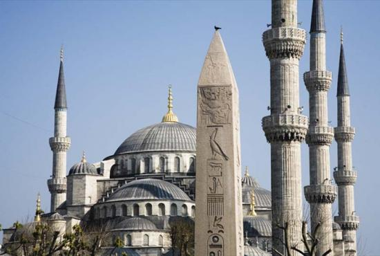 istanbul_blue-mosque-and-obelisk-in-sultanahmet-1.jpg