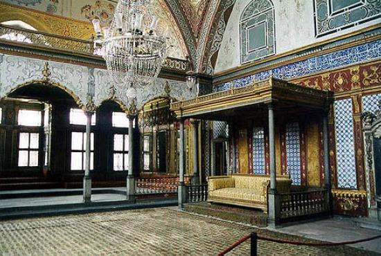 istanbul_topkapi_palace_harem.jpg