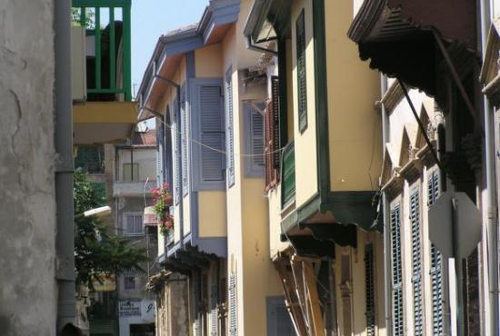 Limassol – Nicosia Divided Capital & Lefkara Village (with lunch)