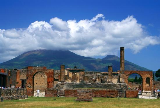 pompeii_4_ita_pompeiiruins.jpg