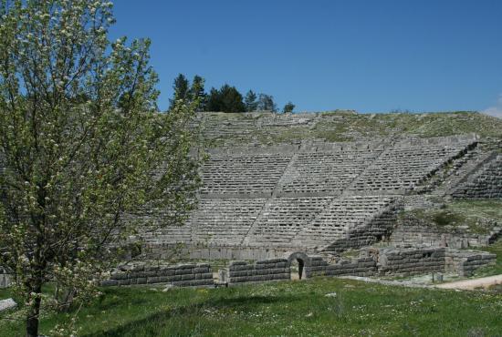 Preveza Tour to Dodoni-Ioannina-Perama cave