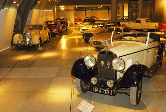 hellenic_motor_museum_04.jpg