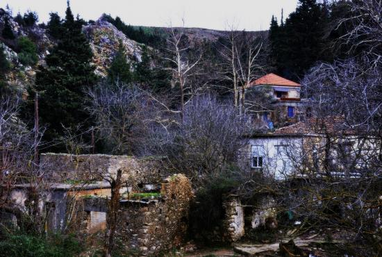 Excursion to Venizelos Tombs, Therissos – Chania city