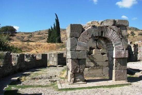 4709281-pergamon-asclepion-ronda-edificio.jpg