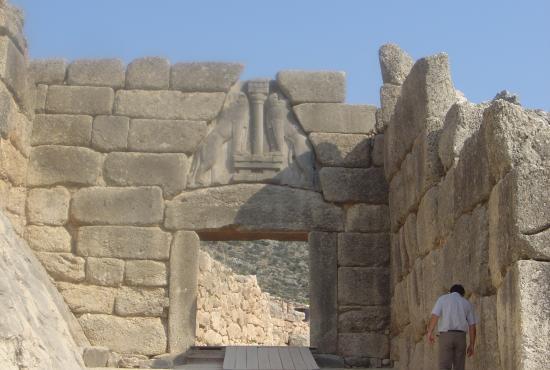 mycenae_lion_gate_dsc06382.jpg