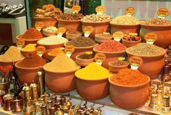 spice_bazaar_in_turkey.jpg