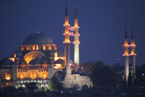 suleiman-mosque-in-istanbul-turkey-night.jpg