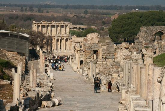 turkey-2011-ephesus-07-curetes-street-with-the-library-of-celsus-in-the-background.jpg