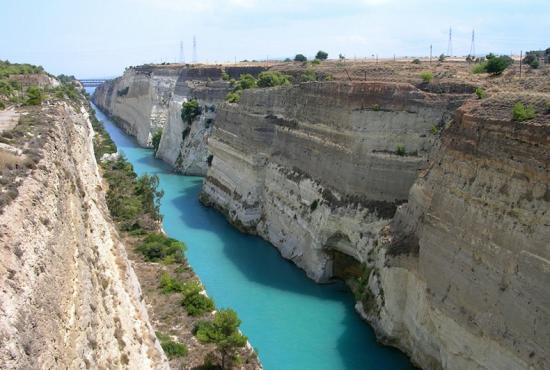 Tour from Piraeus to Ancient Corinth with photo stop in Corinth Canal