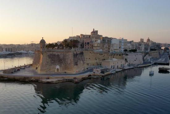 Tour to Gardjola Gardens and Birgu