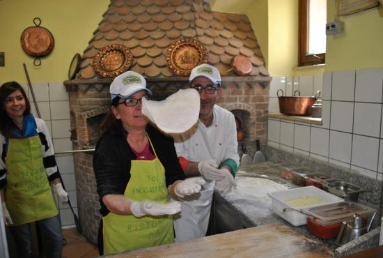Pizzas and Piazzas Half Day Tour