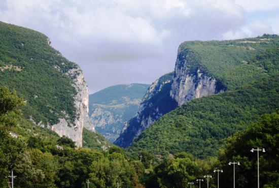 Tour to Frasassi Caves
