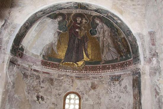 Aggeloktisti church internal time survived decoration.jpg