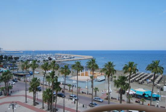 Larnaca port.jpg
