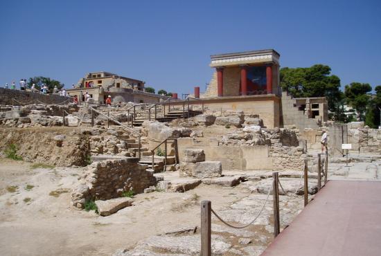Agios Nikolaos Tour to Knossos,Heraklion city & Museum, Archanes, Peza Wineries