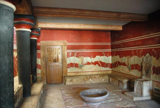 Knossos Palace.jpg