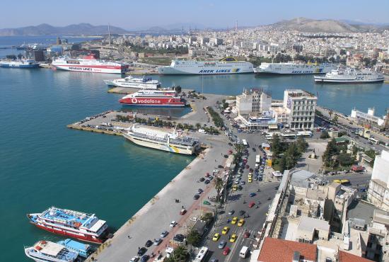Port_of_Piraeus.jpg