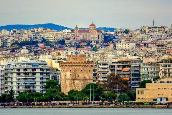 2A-view-of-Lefkos-Pirgos-Thessaloniki-Kostas-Arvanitis-taxid-stin-ellada-idanikos-proorismos-gia-kathe-mina-20154.jpg