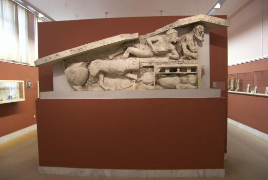 Dionysos_Vacchos_pediment_at_the_Museum_of_Corfu.JPG