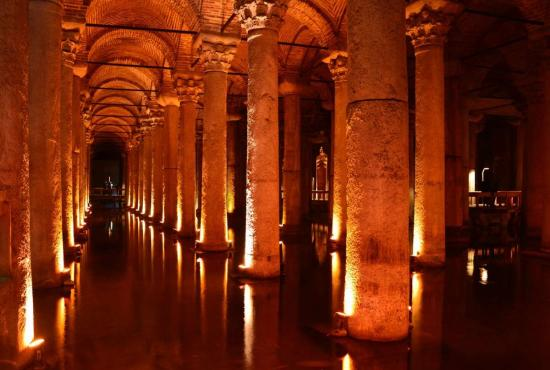 Istanbul-Basilica-Cistern.jpg