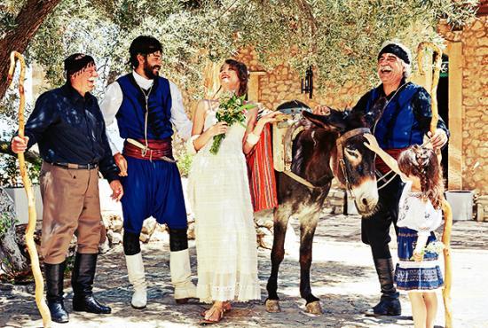 traditional-weddings-greece-crete-11450a.jpg