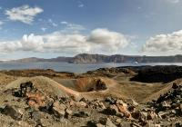 Tour by boat to the Volcano & Hot Springs of Santorini