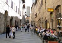 San Gimignano and Volterra with Farmhouse