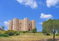 Mysterious Castle del Monte Tour